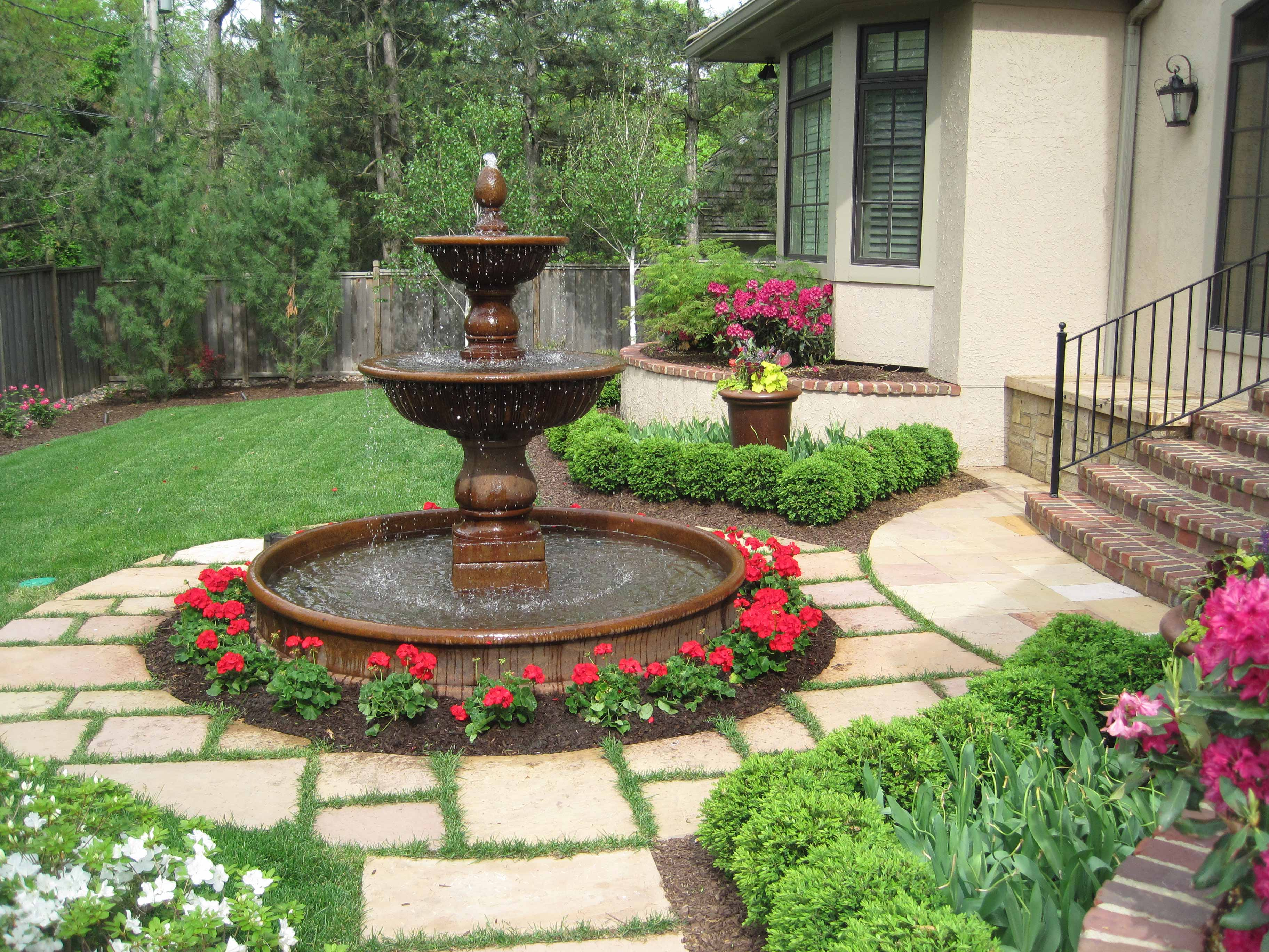 Kansas City Garden Fountains | Red Flowers