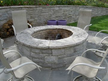 5 Fire Pit Designs to Keep Your Backyard Cozy in the Fall